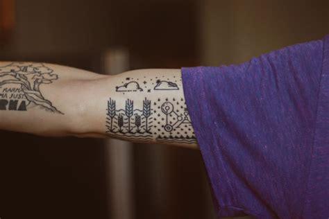tatouage cercle bras s 233 lection tatouage cercle autour du bras page 2 sur 3