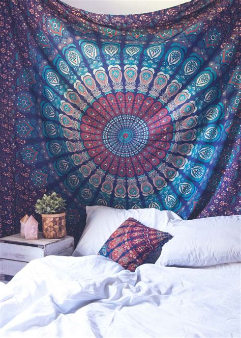 tapestry with lights behind best 25 tapestry bedroom ideas on pinterest tapestry