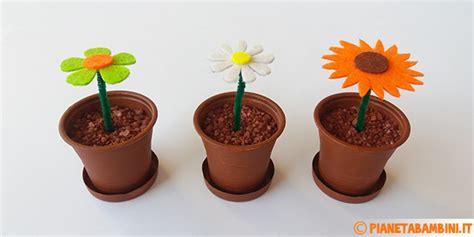 come creare fiori feltro lavoretto fiori di feltro in vasetti di plastica