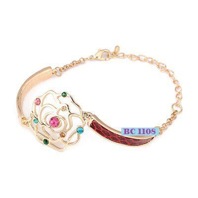 cincin lapis emas gambar gelang perhiasan emas aksesoris wanita kalung