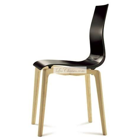 chaise bois et plastique maison design deyhouse