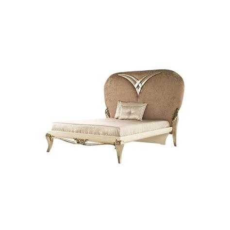 chambre blanche et argent馥 chambre adulte de luxe blanche argent 1900 commode baroque et miroir