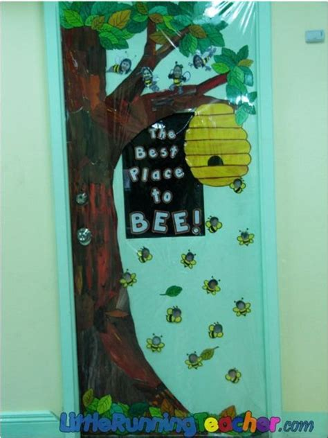 busy bee themed door  preschool bulletin board