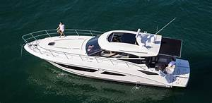 Sea Ray Unveils New 470 Sundancer With Retractable Shade