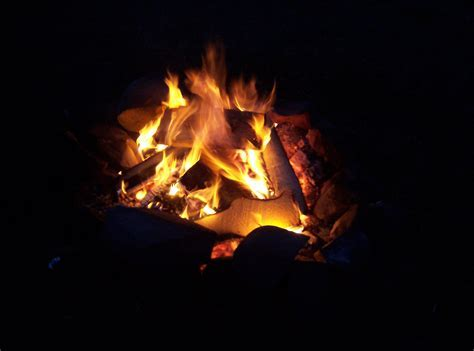 File:Campfire   Wikimedia Commons