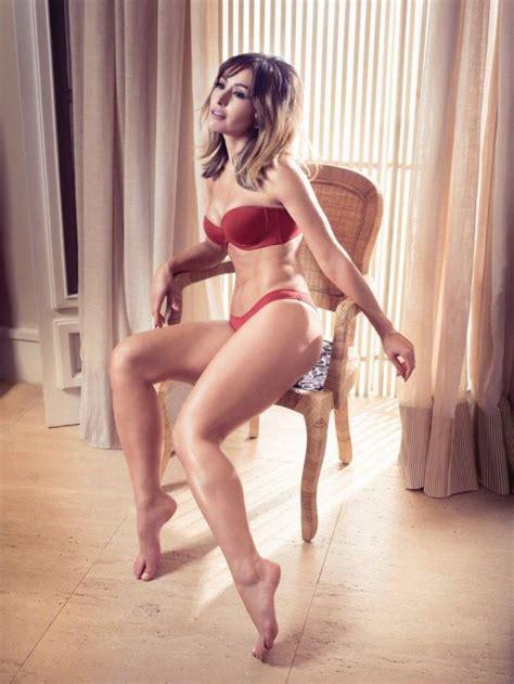 sabrina sato esbanja boa forma em fotos  campanha