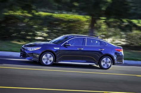 Most Efficient Hybrid by Best Deals On Hybrid Electric Fuel Efficient Cars For