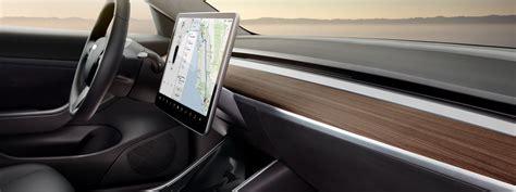 Get Due 100 Tesla 3 Gif