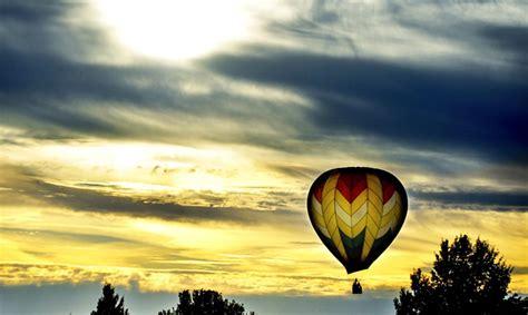 Indijā gaisa balons piezemējas cietuma teritorijā - Ārvalstīs - Ziņas - TVNET