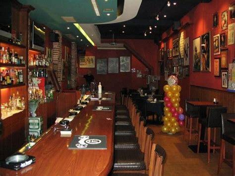 bottoms  saloon kaohsiung restaurant reviews