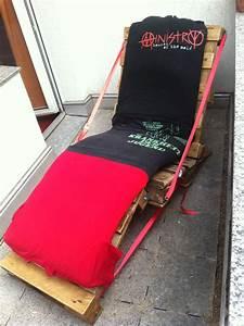 überwurf Für Sitzmöbel : liegestuhl aus paletten selbstbau gartenm bel 2 palettenbett und palettenm bel palettenbett ~ Yasmunasinghe.com Haus und Dekorationen