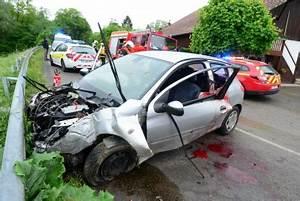 Accident De Voiture Mortel 77 : sundgau est accident de voiture un bras presque arrach ~ Medecine-chirurgie-esthetiques.com Avis de Voitures