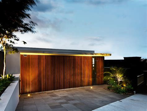 front gate of contemporary house design with outstanding