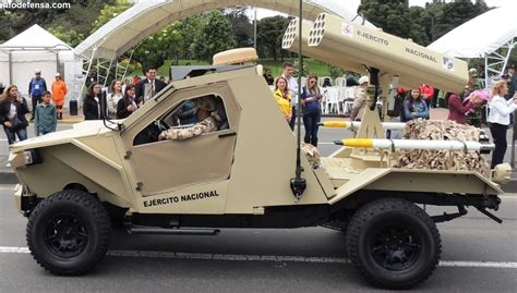 el ejercito de colombia exhibe sus renovados vehiculos de