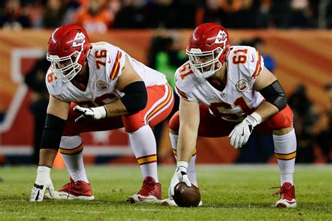 chiefs rumors laurent duvernay tardif