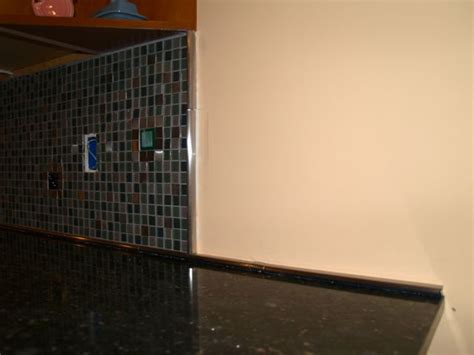 Backsplash Glass Tile Edging by Tiling The Kitchen Backsplash Geeky Engineer