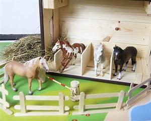 Holzkiste Für Spielzeug : die besten 25 selber bauen pferdestall ideen auf pinterest pferdestall spielzeug spielzeug ~ Markanthonyermac.com Haus und Dekorationen