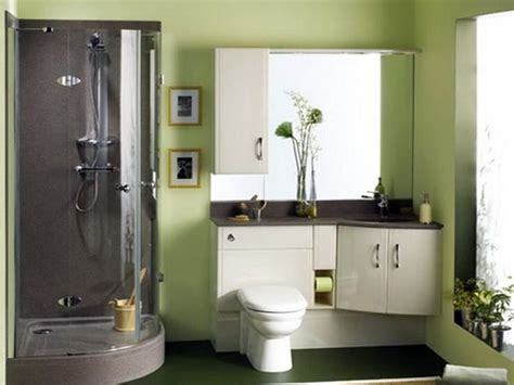 Colors To Paint A Small Bathroom by Best 25 Small Bathroom Paint Ideas On Small