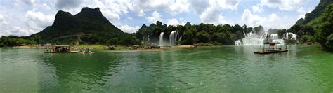Detian Waterfall Guangxi Province China The Wandering