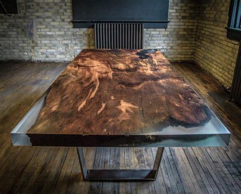 grande cuisine design les meubles en bois brut sont une touche nature pour