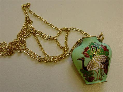 vtg necklace pendant green enamel parrots cloisonne bottle