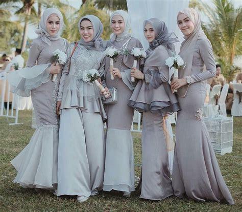 Simak inpirasi fashion kondangan hijab ala selebgram berikut! Style Kondangan dengan Dress Hijab Berikut, Siap Membuat ...