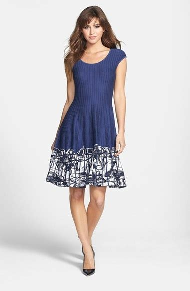 26 Elegant Dresses For Women Over 40 Playzoacom