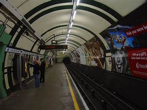 The Tube  Top 10 Etiquette Tips For The Tourist On The London Underground