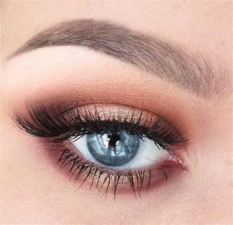 comment maquiller des yeux bleus comment maquiller ses yeux selon la couleur de iris