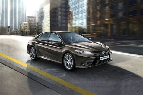 toyota camry price images review specs