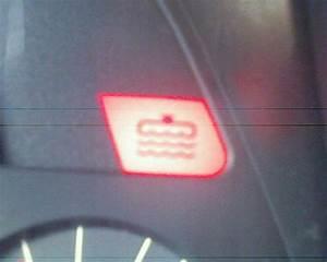 Voyant Volant Rouge : a l 39 aide svp voyant 306 pas dans le manuel peugeot m canique lectronique forum technique ~ Gottalentnigeria.com Avis de Voitures