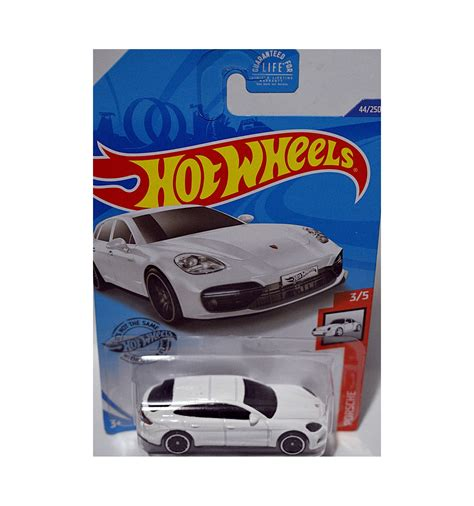 Although the roofline slopes less to the rear than in the sedan, the. Hot Wheels - Porsche Panamera Turbo S E-Hybrid Sport Turismo - Global Diecast Direct