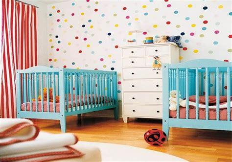chambre bébé jumeaux décoration chambre bébé jumeaux bébé et décoration