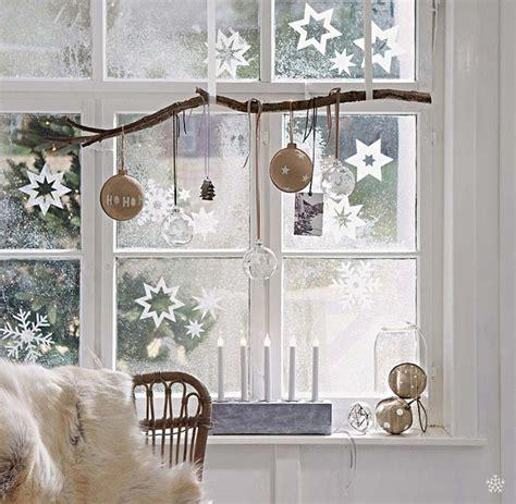 Différents Objets Déco De Noël Pour Fenêtre