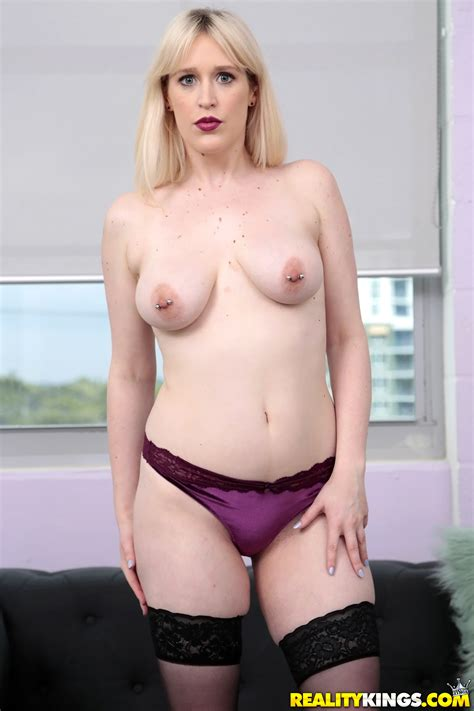 Blonde With Pierced Nipples Is Riding Cock Photos Kiki