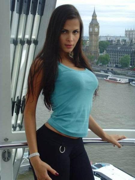 agência de modelos dandee agosto 2011