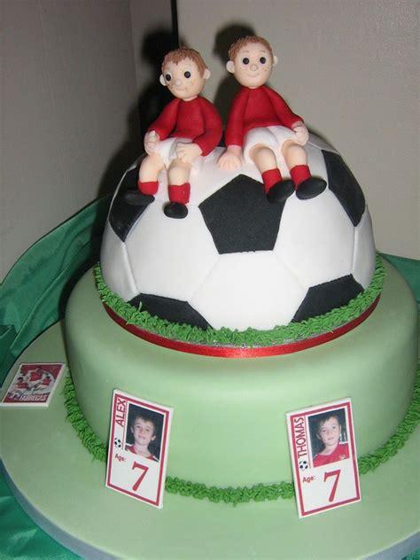 twins football cakes