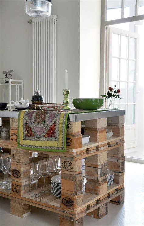 comment faire une table de cuisine fabriquer table haute cuisine diy 10 ides du0027lots de