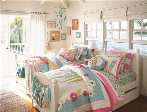 chambre d ado pottery barn bring home furnishings for children to