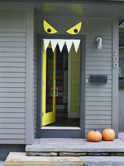 halloween  diy front door decorations  columbian