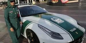 Voiture Police Dubai : photos de voitures de police page 2075 auto titre ~ Medecine-chirurgie-esthetiques.com Avis de Voitures