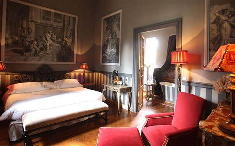 chambre luxueuse chambres de charme nîmes hôtel jardins secrets