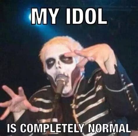 Gerard Way Memes - 522 best my chemical romance images on pinterest emo bands killjoys and my chemical romance