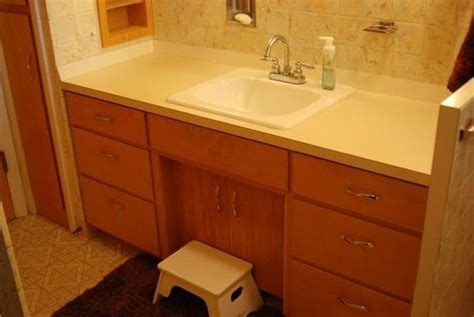 Spray Paint Laminate Countertops by How To Spray Paint Countertops