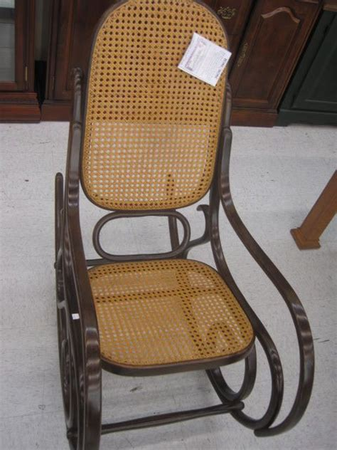 20 x 46 x 41 wood bentwood rocking chair has