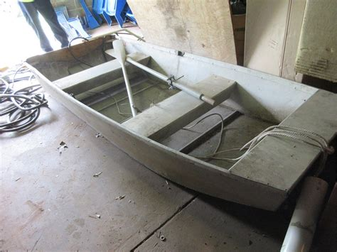 Row Boat Oars by Aluminium Row Boat With Oars For Auction Municibid