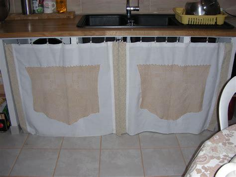 meuble à rideau pour cuisine meuble cuisine avec rideau tissu