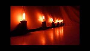 Flickering flame string lights