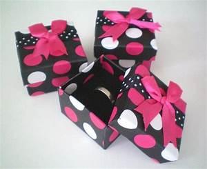Boite Cadeau Bijoux : lot de 24 bo tes cadeau pour bague 3 couleurs ~ Teatrodelosmanantiales.com Idées de Décoration