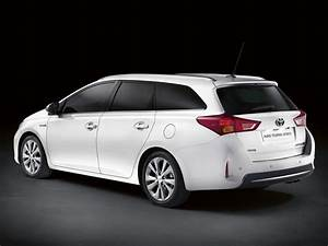 Toyota Auris Break Hybride : toyota auris touring sport break hybride vid o blog automobile ~ Medecine-chirurgie-esthetiques.com Avis de Voitures